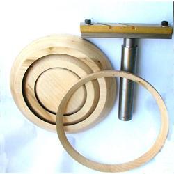 טבעות עץ, עם מתקן  בייצור עצמי. לא למכירה,תצוגה בלבד